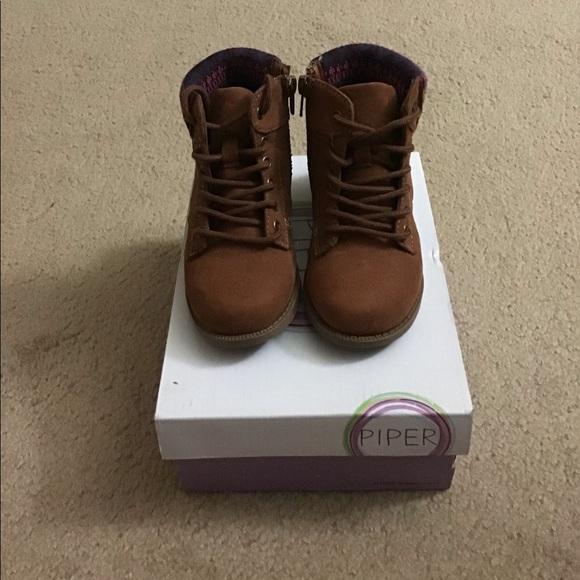 Toddler Girls Piper Boot Size 8 NWT!!!